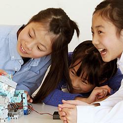 親子で探求「ロボットプログラミング教室」